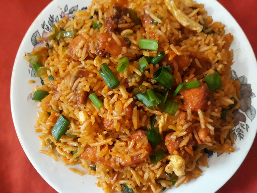 CHECKEN SCHWEZWAN FRIED RICE