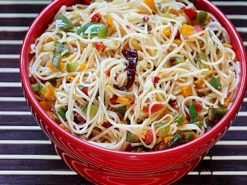 MIXED CHILLI GARLIC NOODLES